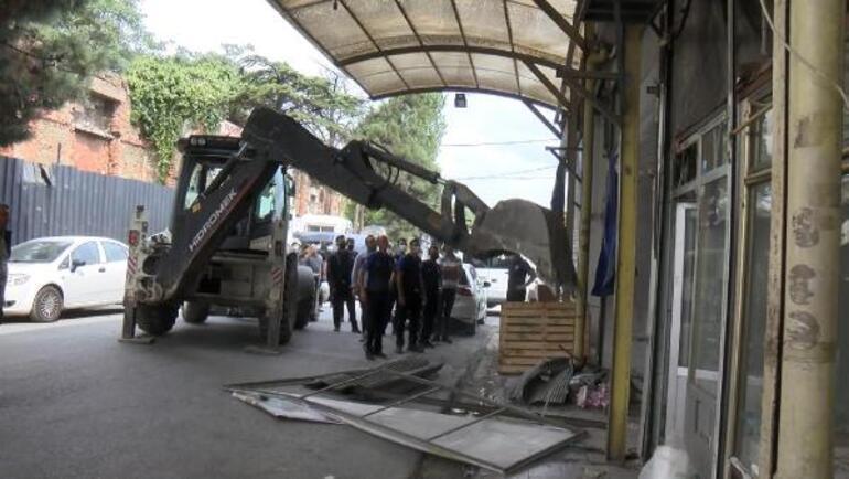Rami Kuru Gıda Halinde yıkımlar başladı