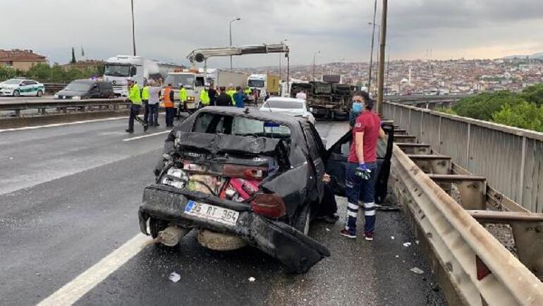 Son dakika... 7 aracın karıştığı zincirleme kaza İstanbul yönü ulaşıma kapandı