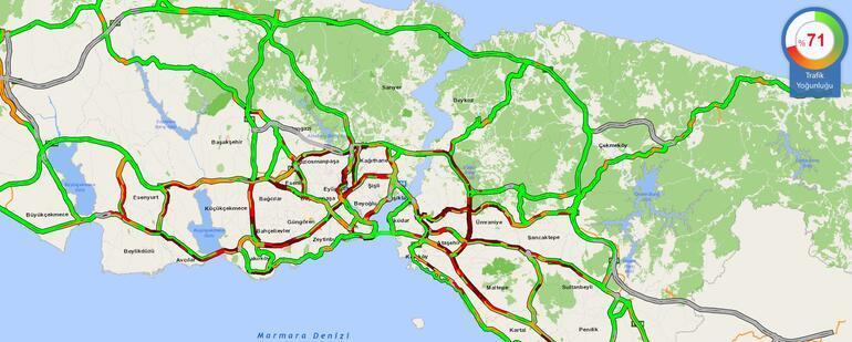 İstanbulda yağış sonrası trafik kilitlendi