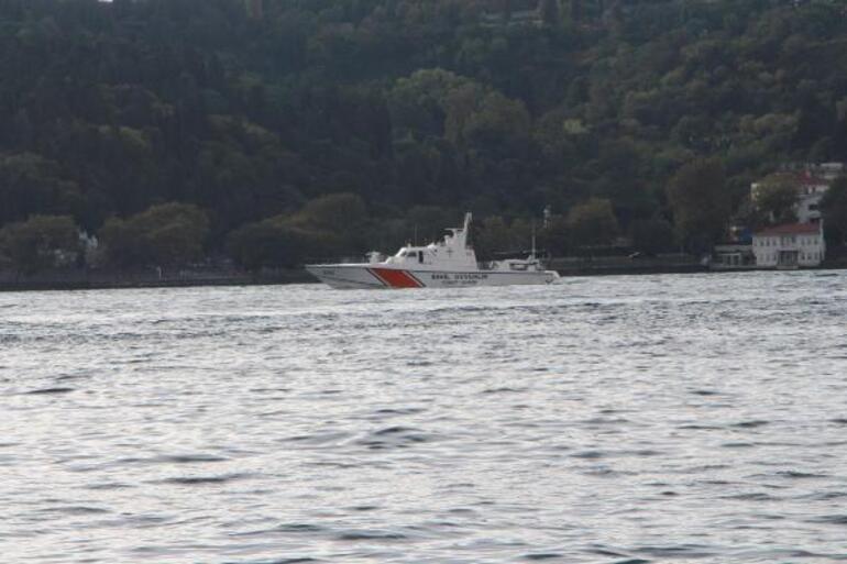 Rus denizaltı İstanbul Boğazından geçti