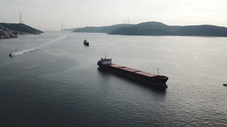 Son dakika: İstanbul Boğazında Türk ve Rus bandralı 2 yük gemisi çarpıştı