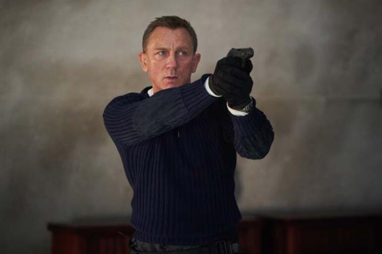 James Bond 'kadın mı olmalı erkek mi' tartışmasında son nokta