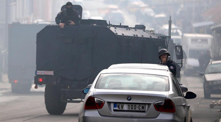 Kosovada polis operasyonu Mitroviçayı karıştırdı