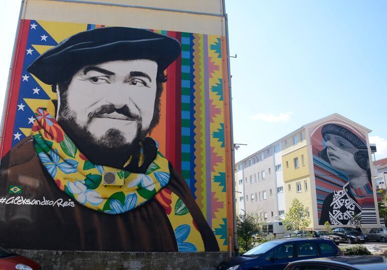 Bosna Hersekin Mostar kentini süsleyen duvar resimleri en iyiler  arasında gösterildi