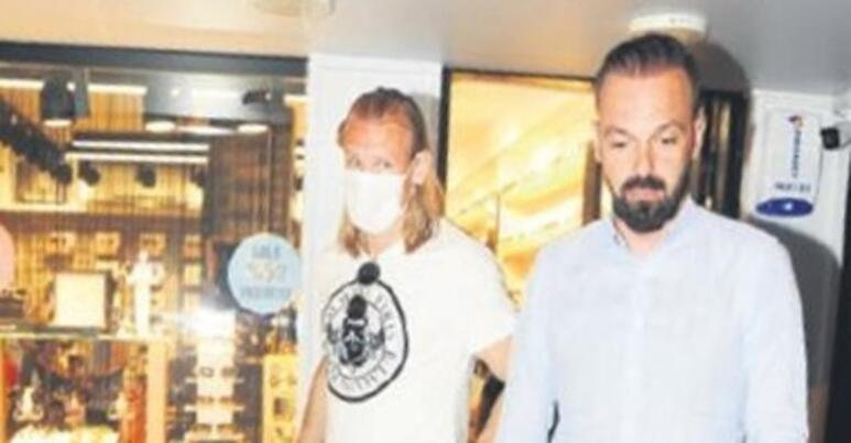 Sabri Sarıoğlu - Yağmur Sarıoğlu çifti optik mağazası açtı